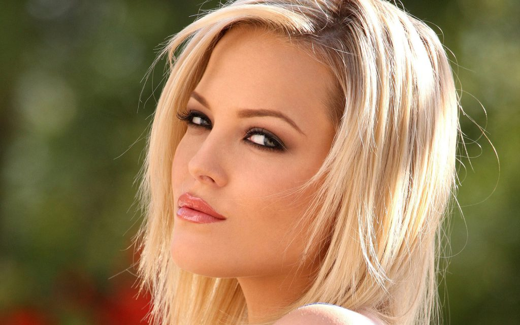 Porn Star Alexis Texas Just Released Her First Ever Gang