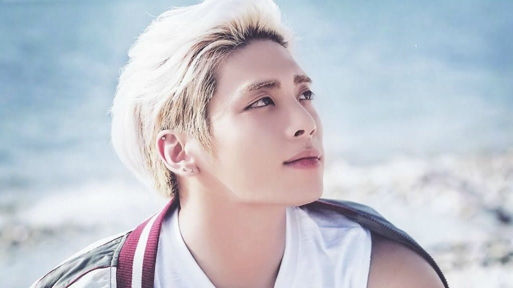 kim jong hyun of shinee had committed suicide. Black Bedroom Furniture Sets. Home Design Ideas